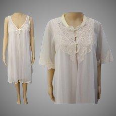 Vintage 1950s Peignoir Set - Creme Nightgown, Matching Robe, Lace Detail, 50s Burlesque Set