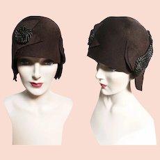 1920s hat / 1920s cloche hat / Brown / Silk Trim