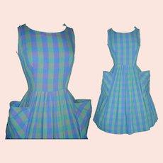 Vintage 1950s Dress  .  New Look . Novelty Print  . Femme Fatale