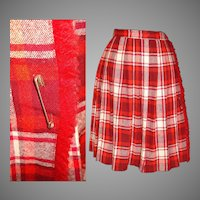 1950s Skirt . Red . Wool