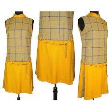 Vintage 1960s Dress  .  Matching Lucite Belt . 60 Dress