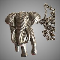Vintage Elephant Necklace | Silver Metal Elephant Necklace | Elephant Necklace | 1960s Elephant Necklace | 60s Elephant Necklace |