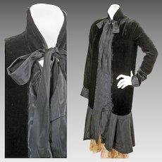 1920s Vintage Black Velvet & Moiré Evening Dress Coat