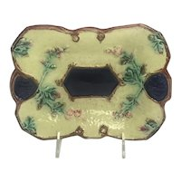 Majolica Serving Dish With Colors of Navy Blue And Pale Yellow