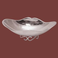 Oval Wave-Form Sterling Silver Bowl - by Sciarrotta for Black, Starr & Gorham