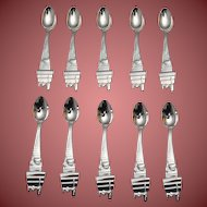Silver Baby Spoons With SNOOPY Motif by Lunt Set of Twelve