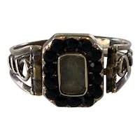 Victorian Mourning Ring Featuring Swivel Ring Head with Hair, Onyx, 10 Karat Yellow Gold. Size 10 1/2.