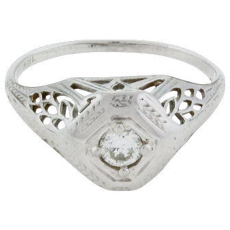 18 karat ART DECO RING Old Mine Cut Diamond Solitaire