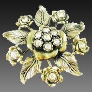 Little Nemo L/N floral leaf pin with clear rhinestones