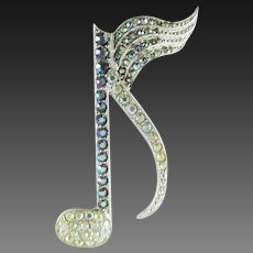 ORA rhinestone treble clef note pin