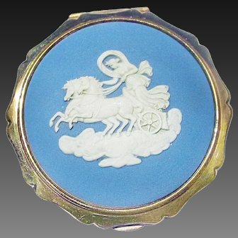 Stratton Wedgwood Compact Horses and Chariot