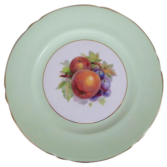 "Shelley English Bone China Green Gainsborough Plate with Fruit Center, 8"""