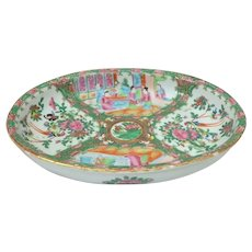 Large Oval Chinese Export Rose Medallion Serving Bowl
