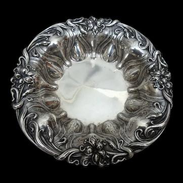 """Meriden Britannia Violet Lily Art Nouveau Sterling Silver Bonbon Bowl, 6"""""""