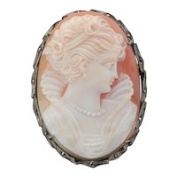Well Carved Shell Cameo Brooch/Pendant in a Silver Frame