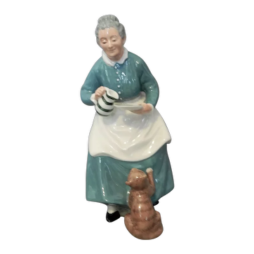 "Royal Doulton Figure ""The Favourite"" H.N. 2249"
