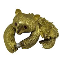 Super Quality Highly Detailed Solid 18kt Bear Pin,  Clasping a Diamond and Ruby Eyes....Heavy 16.1 Grams