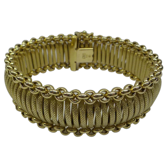 Estate Solid 14kt Italy Hand Made Wide Flexible Linked Bracelet.  34.1 Grams.....Fabulous European Made Bracelet