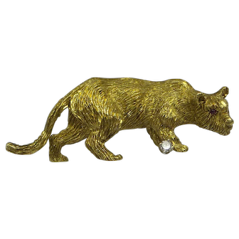 "Super Quality Highly Detailed Solid 18kt "" Stalking Lion "" Pin.......13.2 Grams"