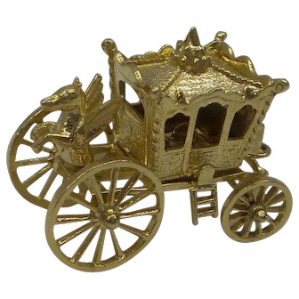 "Wonderful 3D Solid 14kt Moveable Wheels and Opening Carriage "" Cinderella Coach Charm"""