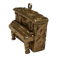Original ornate 1950's Solid 14k Gold moveable player piano charm 1890's style...9 Grams