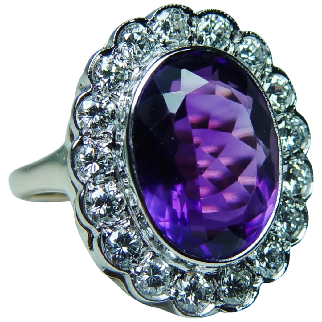14 k yellow Gold Ring with African Amethyst