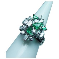 Vintage Colombian Emerald VVS-F Baguette Diamond 18K White Gold Ring