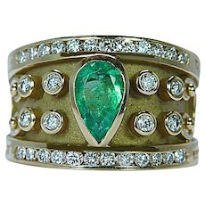 Colombian Emerald Diamond 18K Gold Ring Designer Heavy Size 7.5