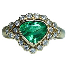Vintage Heart Colombian Emerald Diamond Ring 18K Gold Designer Mag