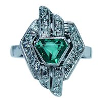Art Deco Colombian Emerald Diamond Ring Platinum Estate Fancy cut