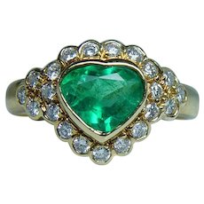 Heart Colombian Emerald Diamond Ring 18K Gold Designer Mag