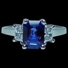 Vintage 18K White Gold 1.7ct Sapphire Trapezoid Diamond 3 Stone Ring Estate Martin Flyer