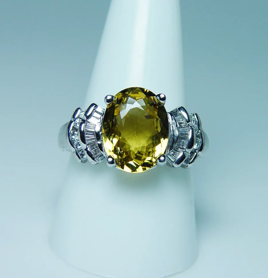 2 Carat Oval Diamond Ring With Baguettes