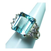Vintage 9.5ct Blue Topaz Diamond Ring 14K Gold Heavy