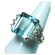 Vintage 9.5ct Blue Topaz Diamond Ring 14K Gold Heavy