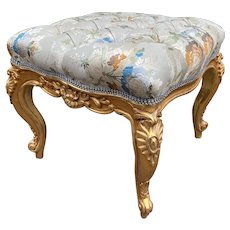 Beautiful bed bench in French Louis XVI style. Free worldwide shipping