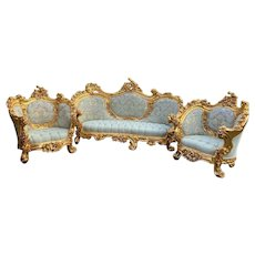 New Rococo Living Room Set in Green.-3 Pieces