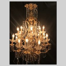 French Louis XV Style Gilt-Bronze Crystal Chandelier