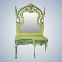 make up table with removable mirror from around 1860s in Venetian style