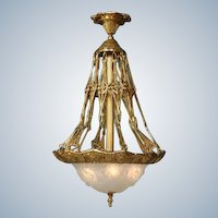 Beautiful Louis XVI-inspired Gilded Bronze Chandelier