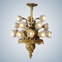 Impressively nice Decorated Chandelier Gilded Bronze (Louis XVI-style with leafs)