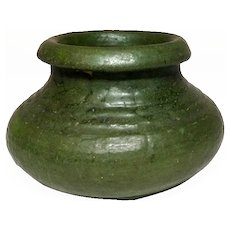 Grueby Pottery, Matte Green Ringed Rolled Lip Squat Vase, Nice Curdled Glaze