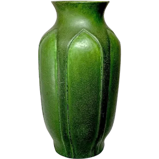 Grueby Pottery, Matte Green Vertically Carved Inset Leaves Vase, Unique Form