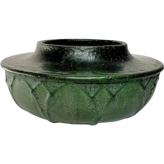 Grueby Pottery, Leathery Matte Green Overlapping Leaves Planter, Great Glaze