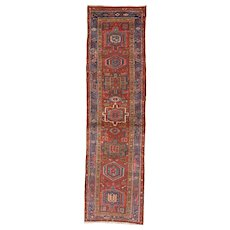 Persian Heriz Narrow Runner , Oriental Rug , Heriz District , Northwest Persia circa 1920 , 9.10 x 2.9