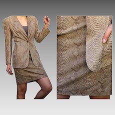 $1900 Vintage EMANUEL UNGARO 100% LAMBSKIN Snake print jacket/skirt Suit