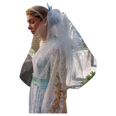 TRUE VINTAGE 50s/60s Baby Blue short hippie mod ELBOW Wedding Veil