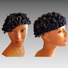 Vintage 60s MOD Black VELVET/BEADED beanie beret Cocktail Hat - 1960s