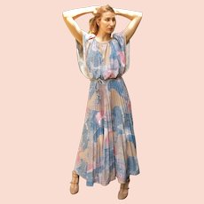 Vintage 1970s GLAMOROUS Flowy Boho long festival Maxi Dress - (MEDIUM)