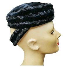 Very UNUSUAL Vintage 1940s Beaded Velvet Hat w/ HAIR BUN Holder